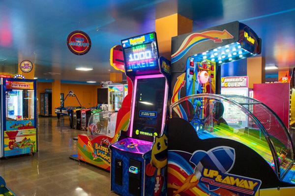 Knott's Berry Farm – Entertainment Center – Pac-Man Arcade Game