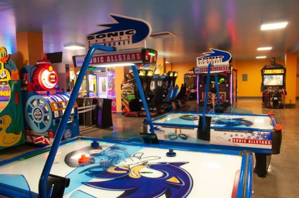 Sonic Air Hockey Game